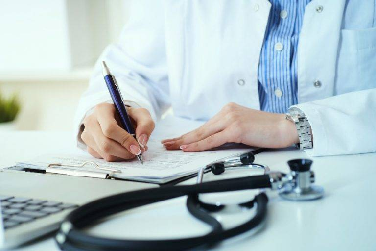 ewicare-medical-center-female-doctor